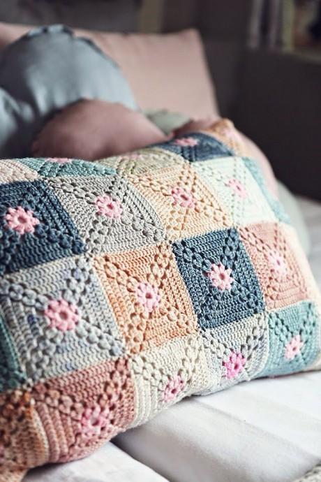 Чехол на подушку, вяжем из мотивов крючком 0