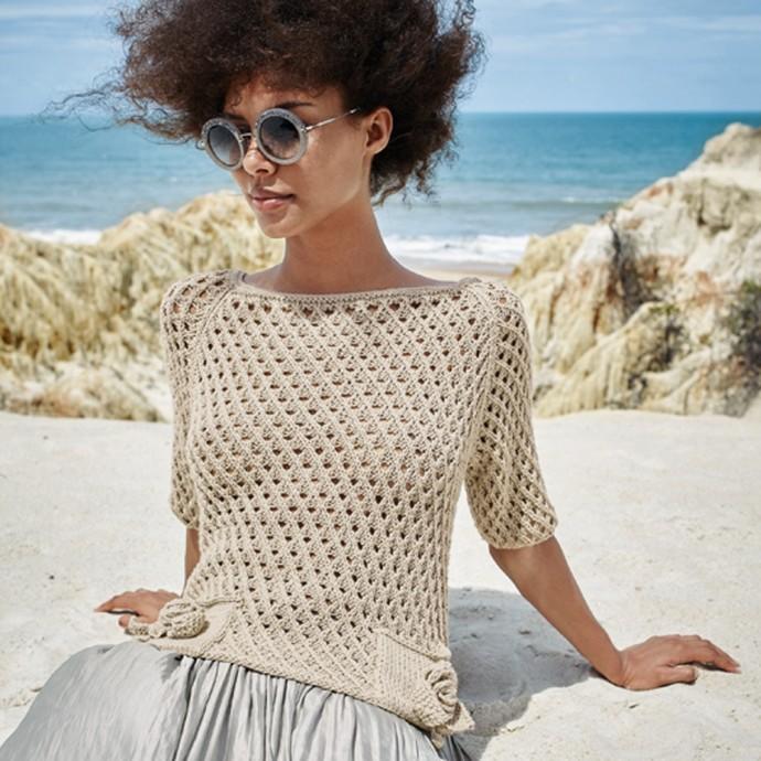 Пуловер с розочками-кармашками